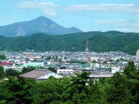 鶴ヶ城磐梯山
